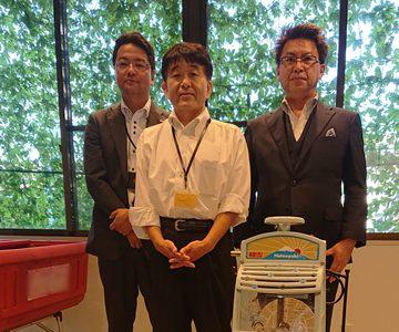 大分銀行日岡支店様より砕氷機をお借りしました